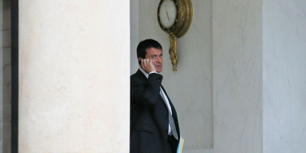 Valls téléphone AFP 1280