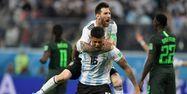 Lionel Messi et Marcos Rojo face au Nigeria (1280x640) GABRIEL BOUYS / AFP