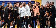 Thierry Henry au milieu de l'équipe belge (1280x640) Franck FIFE/AFP