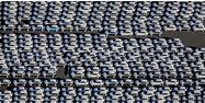 Automobile voiture usine parking AFP