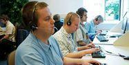 06.05. Call center telephone demarchage.Marcin Lobaczewski  AFP.1280.640