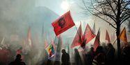 26.01.Manifestation greve fumigene syndicat 14.11.2012.PHILIPPE HUGUEN  AFP.1280.640
