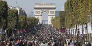 11.02.Foule population france arc de triomphe.THOMAS SAMSON  AFP.1280.640