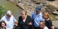 Angela Merkel visite inondations Allemagne CHRISTOF STACHE / POOL / AFP