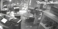 Images de vidéosurveillance de la pizzeria Cosa Nostra, 1280x640