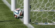 Ballon de foot sur la ligne, goal-line technology (1280x640)