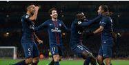 Joueurs du PSG sur le terrain d'Arsenal (1280x640) Justin TALLIS/AFP