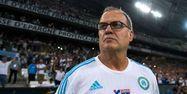 Marcelo Bielsa sur le banc de l'OM (1280x640) Bertrand LANGLOIS/AFP