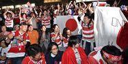 Spectateurs japonais devant le rugby (1280x640) Kazuhiro NOGI/AFP
