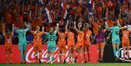 Les joueuses néerlandaises face à la Suède (1280x640) FRANCK FIFE / AFP