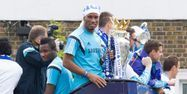 Didier Drogba fête le titre de Chelsea (1280x640) Justin TALLIS/AFP