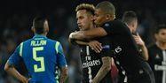 Neymar et Mbappé face à Naples (1280x640) Alberto PIZZOLI / AFP