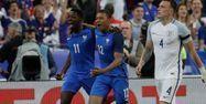Kylian Mbappé et Didier Deschamps (1280x640) FRANCK FIFE / AFP