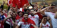Supporters turcs au Stade de France (1280x640) Lucas BARIOULET / AFP