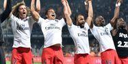 Joueurs du PSG fêtant le titre (1280x640) Pascal GUYOT/AFP