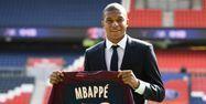 Kylian Mbappé lors de sa présentation (1280x640) FRANCK FIFE / AFP