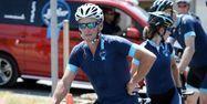 Lance Armstrong, ici jeudi au départ, va emprunter le routes du Tour pendant deux jours. Stéphane DE SAKUTIN/AFP