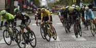 Froome sur les Champs (1280x640) Eric FEFERBERG/AFP