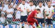 Mikel Damsgaard Angleterre Danemark Euro @Laurence Griffiths / POOL / AFP