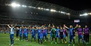 Islande Angleterre clapping BERTRAND LANGLOIS / AFP 1280
