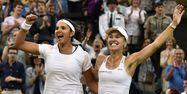 Sania Mirza et Martina Hingis à Wimbledon 2015 (1280x640) Leon NEAL/AFP