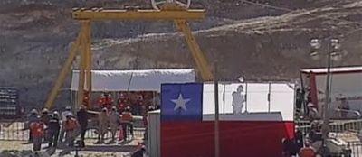 13.10_attente en surface mineurs chiliens 460x200