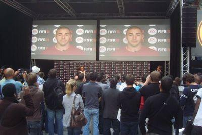 Karim Benzema, à la soirée EA Sports (930x620)