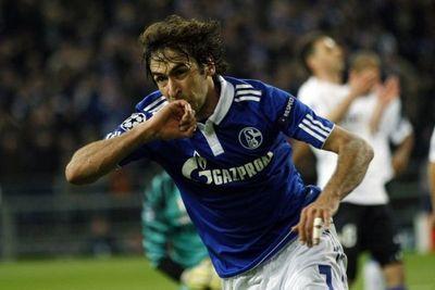 Raul, buteur face à l'Inter (930x620)