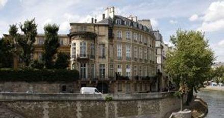 Hotel-Lambert-la-justice-interdit-en-partie-les-travaux