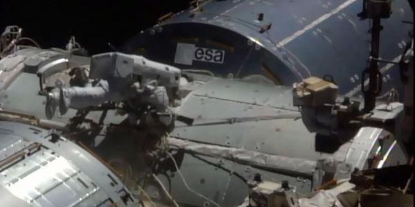 19.08.ISS Station spatiale internationale astronaute.Lizabeth MENZIES  NASA TV  AFP.1280.640