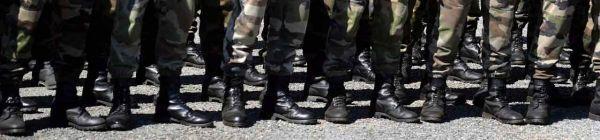 21.07.Bandeau armee militaire botte kaki.AFP.1280.300