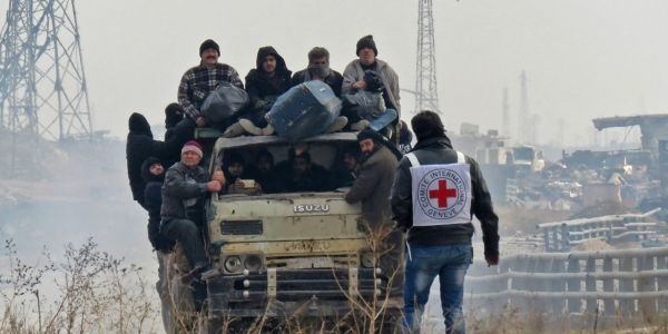 Alep évacuation bus crédit : STRINGER / AFP