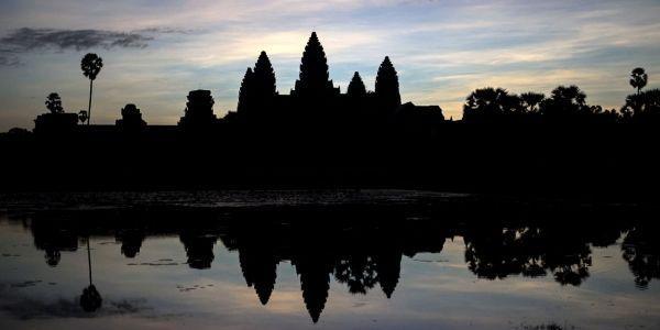 Des-Francais-expulses-du-Cambodge-pour-avoir-pose-nus