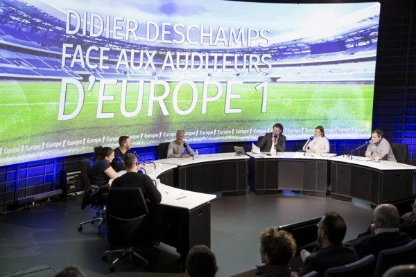 """Didier Deschamps lors de l'émission """"Face aux auditeurs"""" (960x640)"""