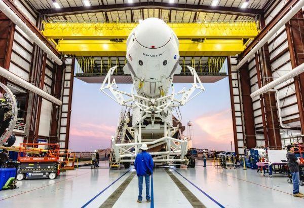 Les astronautes américains embarqueront à bord de la navette réutilisable Dragon 2 de SpaceX.