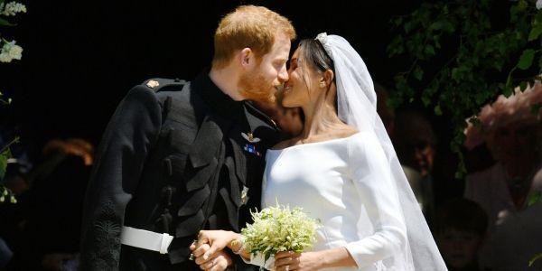 Harry et Meghan baiser mariage princier 1280