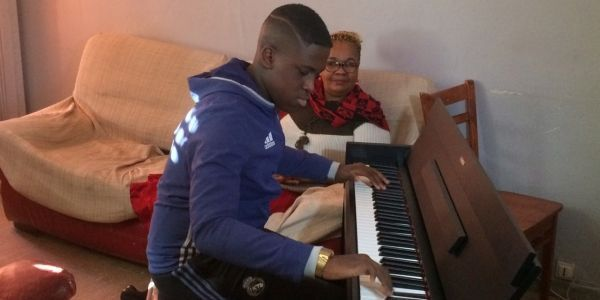 Rencontre une pianiste féminine