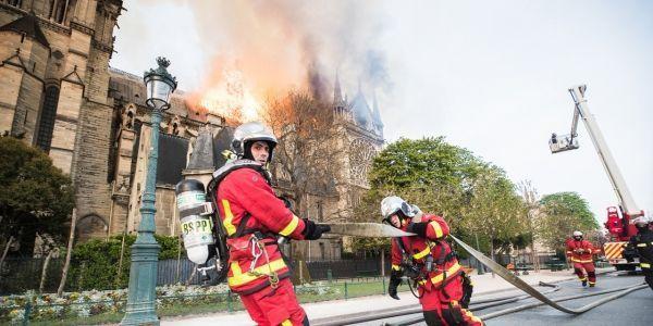 Intervention-Pompiers-Notre-Dame-de-Paris