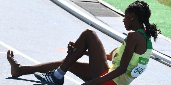 JO-de-Rio-2016-Athletisme-le-public-encourage-l-Ethiopienne-au-pied-nu