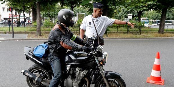 Les-gants-bientot-obligatoires-pour-les-conducteurs-de-deux-roues