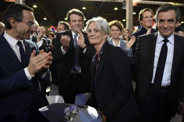 Penelope Fillon ovationnée par la salle de La Villette, dimanche 29 janvier.