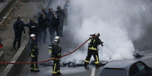 Pompiers-porte-maillot