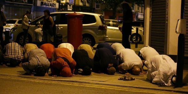 prières de rue, mosquée, Londres crédit : DANIEL LEAL-OLIVAS / AFP - 1280