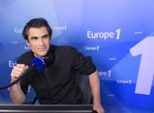 Raphaël Enthoven au micro d'Europe 1- Crédits Nikos Aliagas