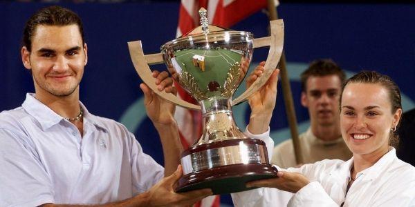 Roger Federer, alors âgé de 19 ans, et Martina Hingis, le 6 janvier 2001.