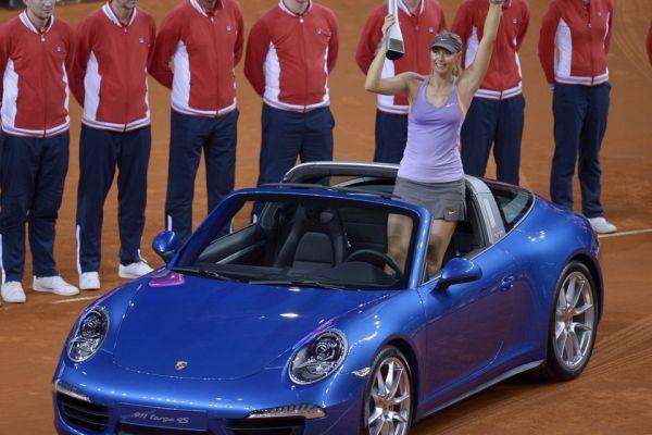 Sharapova à Suttgart en 2014 (960x640)