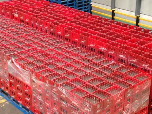 Les caisses de Coca s'amoncellent dans l'usine de Clamart © Clément Lesaffre / Europe 1