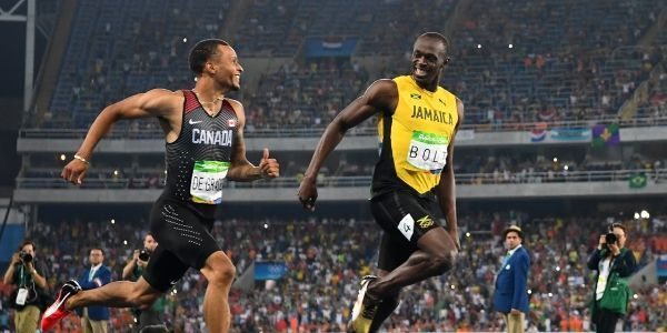 VIDEO-JO-Quand-Bolt-se-marre-en-pleine-demi-finale-du-200m-avec-De-Grasse
