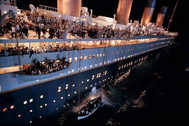 """EN IMAGES - 10 chiffres à connaître sur le film """"Titanic"""" qui fête ..."""