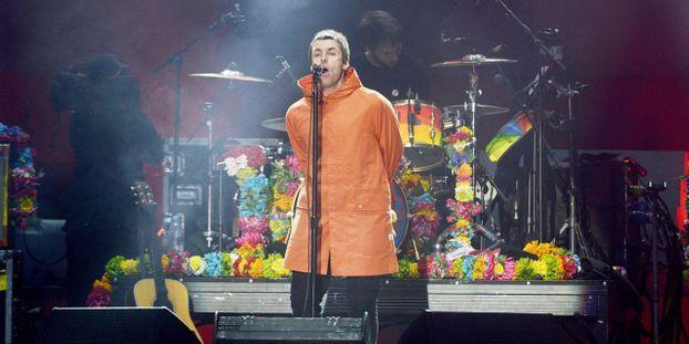 Oasis Live site de rencontres sont l'un des jolis petits menteurs Cast datant